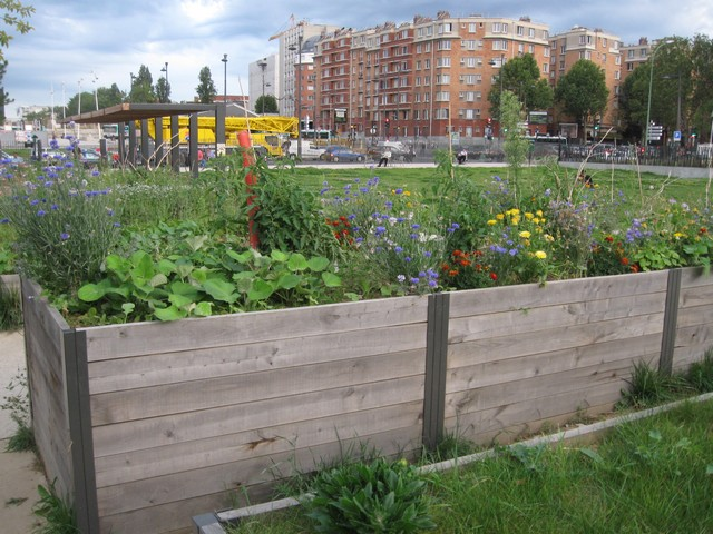 Le moissonneur des lilas jardinons ensemble for Le jardin 75019
